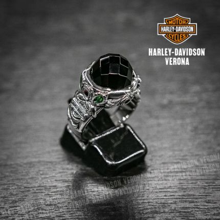 Anello buchet Harley-Davidson® by Thierry Martino in argento con onice taglio cubico