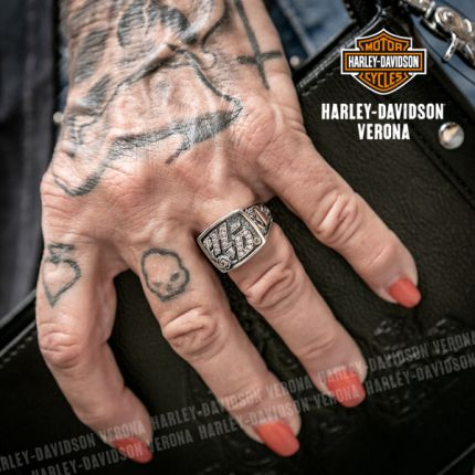 Anello Argento e Zirconi Harley-Davidson® HD Lettering Rose