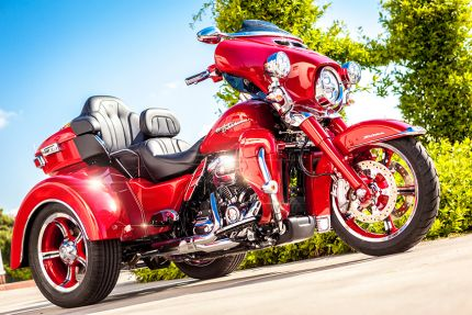 IMPERATORE CUSTOM TRI GLIDE® ULTRA by H-PARADISE